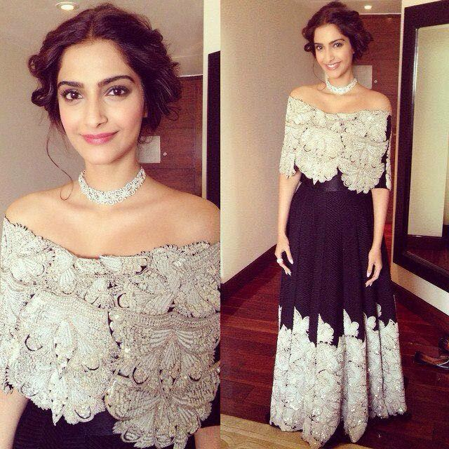 Sonam looking stunning in Anamika Khanna for Gems and Jewellery in Delhi today