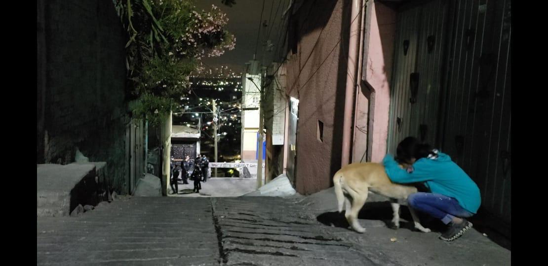 Balacera: comando armado rafaguea 15 casas y quema autos con bombas molotov en la CDMX