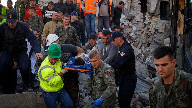 Πολύνεκρη τραγωδία στην Αλβανία από τον φονικό σεισμό των 6,4 Ρίχτερ (βίντεο)
