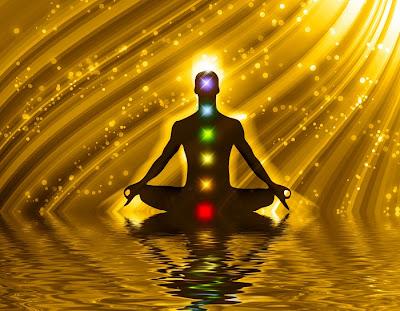 Meditando con los 7 chakras