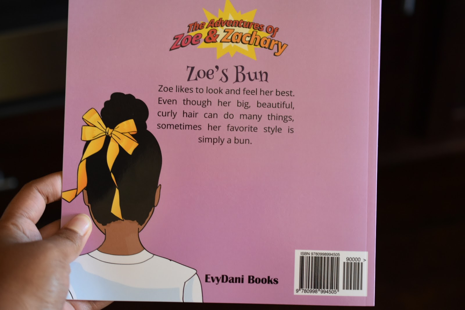 Building Confidence in Young Girls: Zoe's Bun Book Review  via  www.productreviewmom.com
