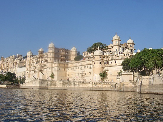project on lake palace udaipur Modern hotels in udaipur: find 20,684 traveller reviews, candid photos,  hotels near city palace of udaipur hotels near lake pichola.