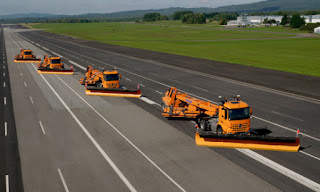 Daimler has demonstrated automated snow removal operations on the site of the former Pferdsfeld airbase. (Credit: Daimler) Click to Enlarge.