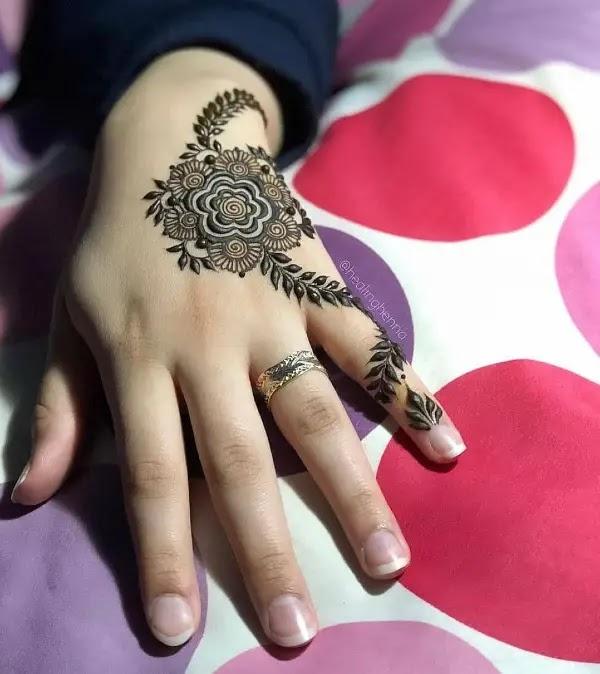 rose-henna-pattern