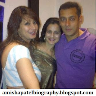 Amisha Patel with Salman Khan