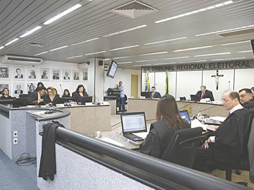 Justiça Eleitoral barra 810 candidaturas no Ceará por conta de irregularidades