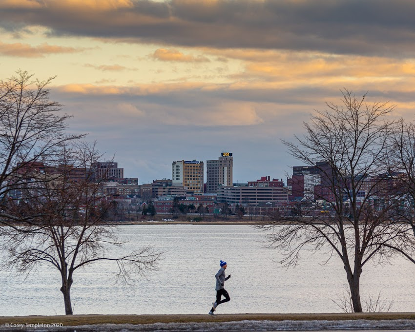 Portland, Maine USA February 2020 photo by Corey Templeton. Good winter weather for a jog around Back Cove.