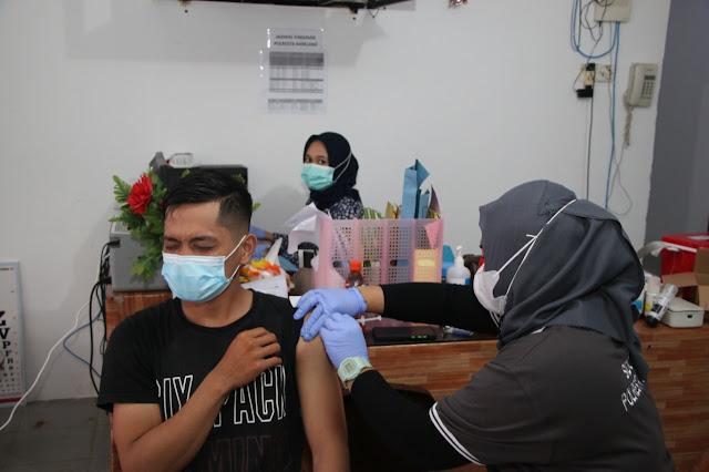 Percepat Vaksinasi Masyarakat Batam, Polresta Barelang Laksanakan Gerai Vaksinasi Merdeka