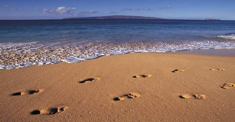 sajak jejak - footprints, saat luka dilihat dengan cara yang berbeda