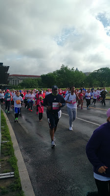 Runners in the first quarter mile of the 2016 Susan G. Komen Race for the Cure 5K
