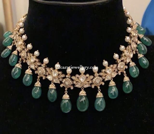Uncut Style Choker with Emeralds