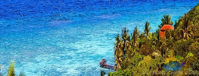 pemandangan pantai di jiwaquest karimun jawa