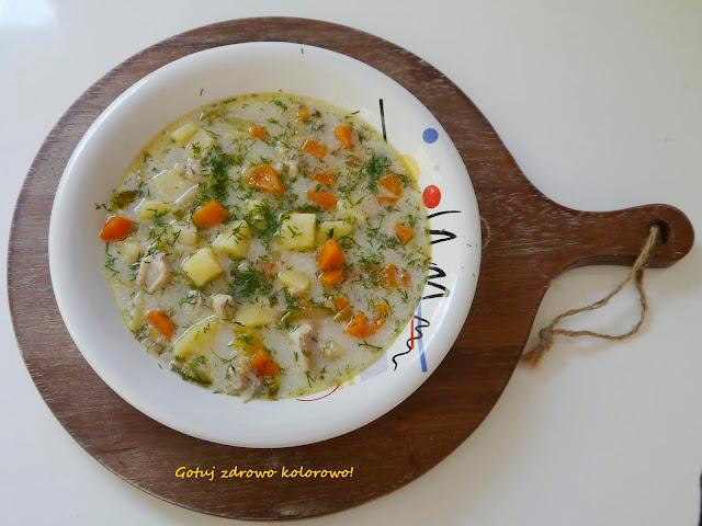 Zupa ogórkowa na żeberkach - Czytaj więcej »
