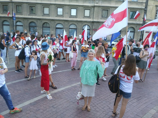 Сегодня в центре польской столицы выразили солидарность с белорусским народом.