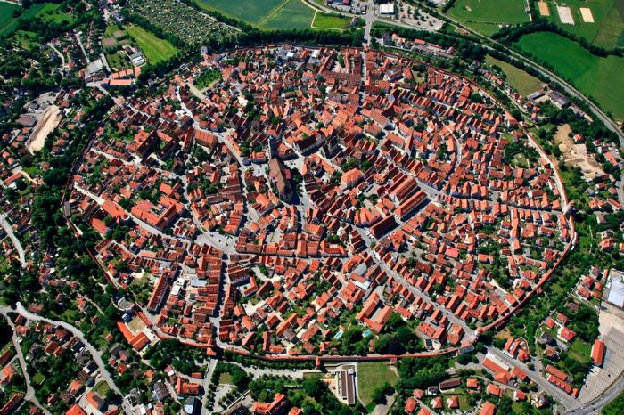 The German city of Nördlingen is located in the center of a valley - an impact crater formed as a result of a meteorite falling.