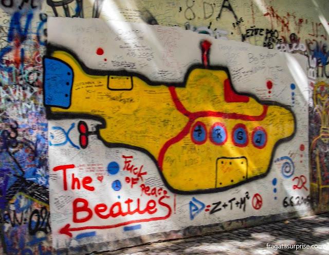 Grafite no Muro Lennon de Praga, homenagem a John Lennon