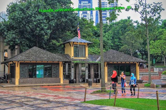 KLCC Park, Petronas Twin Tower, Suria KLCC, KL, Malaysia