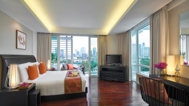 Discover Bangkok from the comfort of our elegant serviced Dusit Suites Hotel Ratchadamri, where Dusit's unique brand of Thai-inspired, gracious hospitality and high-tech amenities combine to provide enriching experiences for short- and long-term guests alike.