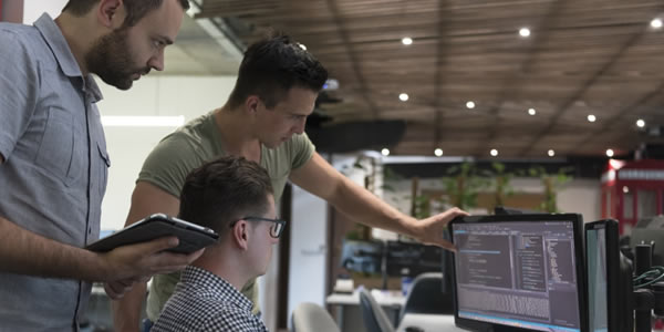 Confira 600 vagas para área de tecnologia em empresas brasileiras