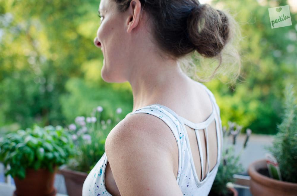 Livia mit Gucklock-Rückenausschnitt