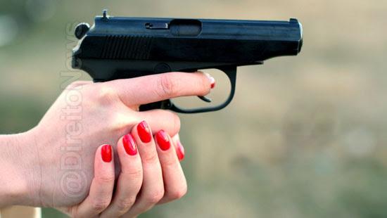 porte arma mulher medida protetiva direito