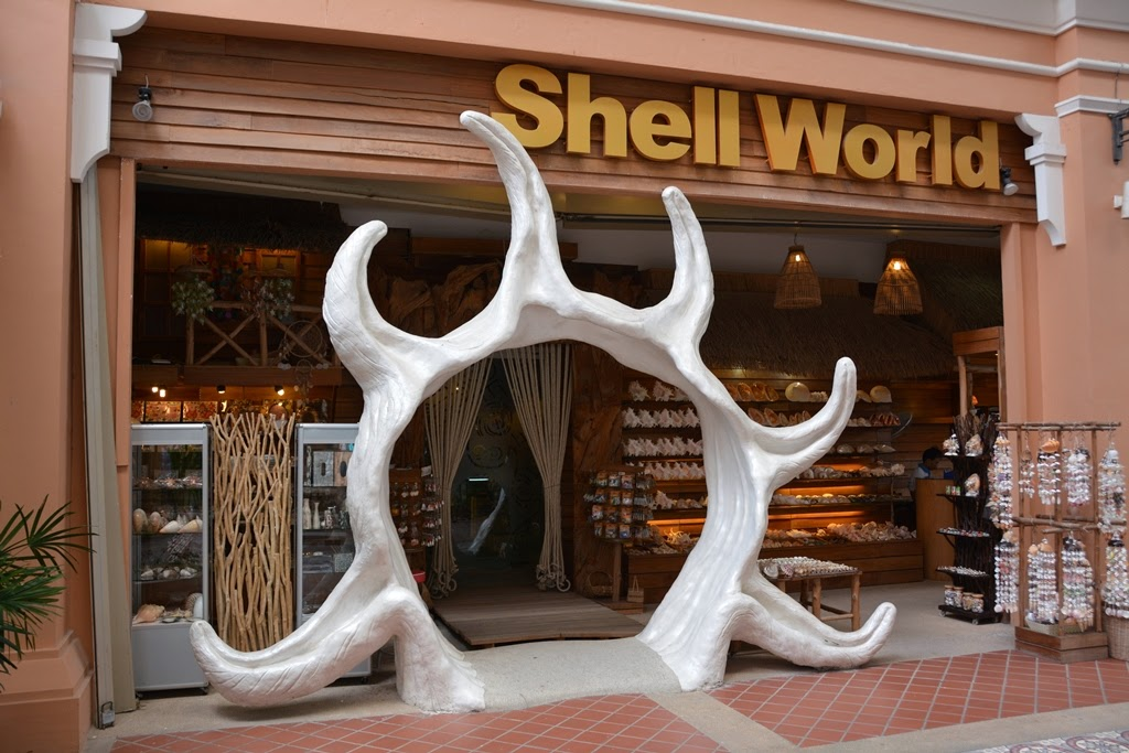 Jungceylon Patong Beach shell world