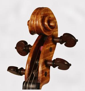Copy of a Stradivari Violin Head by Nicolas Bonet Luthier - Tete d'un violon en copie de Stradivarius par Nicolas Bonet