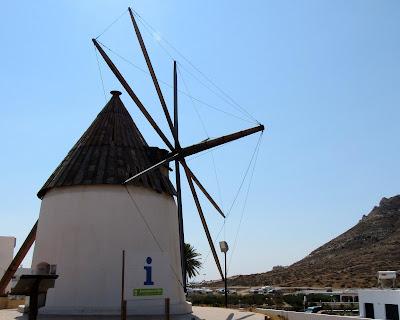 Molino de viento. Molino de Las Negras en Cabo de Gata