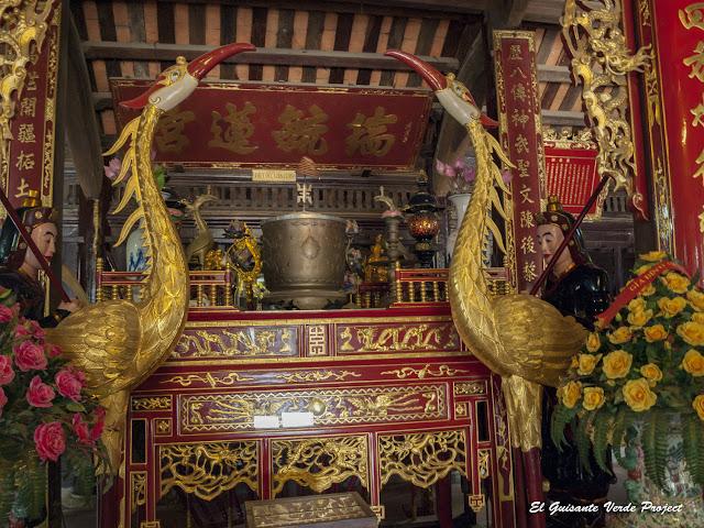 Detalle interior Templo Đền Lý Bát Đế - Vietnam por El Guisante Verde Project