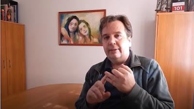 O arquiteto Jean Tosetto (quem?) explana sobre a escolha de um lote para erguer uma residência.