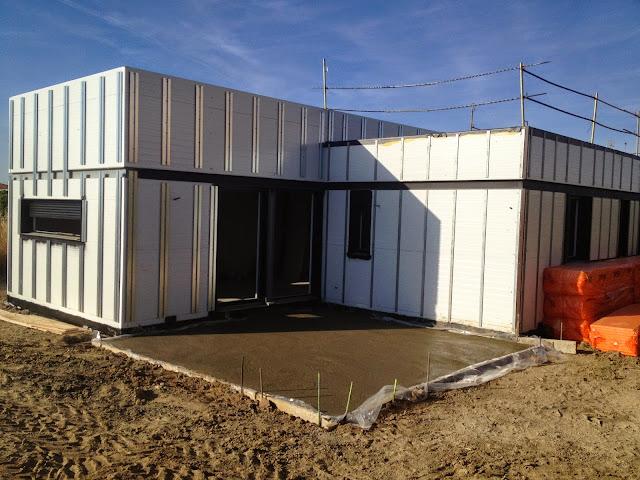 Subestructura de fachada ventilada en vivienda modular de Resan