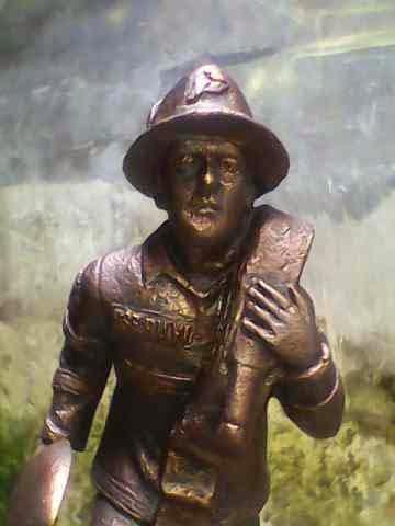 patung pemadam kebakaran