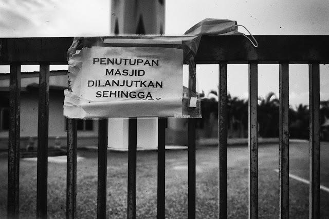 masjid tutup. mosque closed