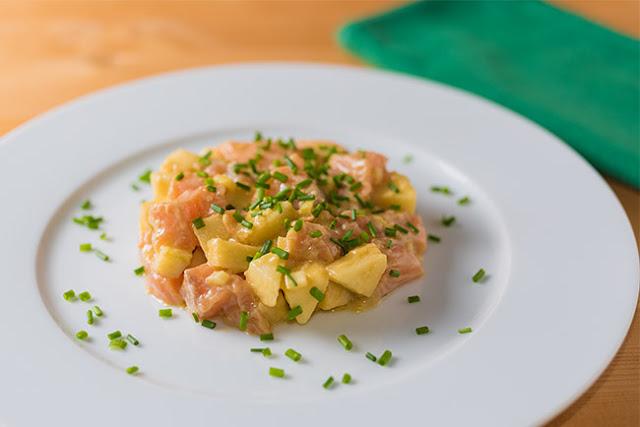 Deliciosa receta de salmon con manzana, una ensalada diferente y fresca para los dias de calor