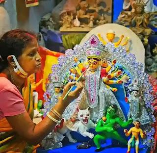 Durgapuja In Bengali - দুর্গাপূজার ইতিহাস, রচনা - Durga Puja In Kolkata, Paragraph