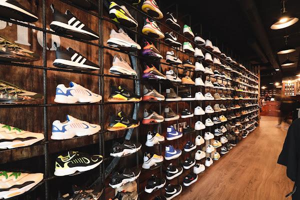 Há uma nova adega em Évora, chama-se Sportino e vende roupa e calçado!