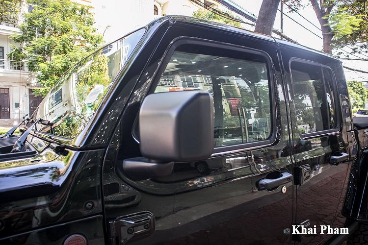 'Soi' Jeep Gladiator Launch Edition 2020 hơn 4 tỷ ở Hà Nội