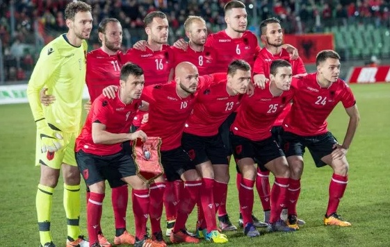 A more recent team photo of Albania; photo: Okulus News