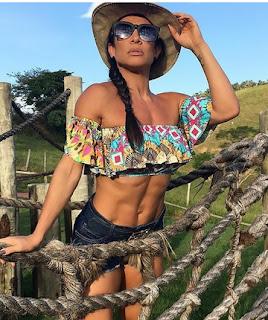 Scheila Carvalho muestra barriga delgada y filosofa en la web