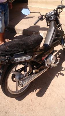 7bcc6acf-cb56-473b-824a-b3452dc40eab 68ª CIPM RECUPERA MOTO ROUBADA NA CENTRAL DE ABASTECIMENTO/MALHADO EM ILHÉUS