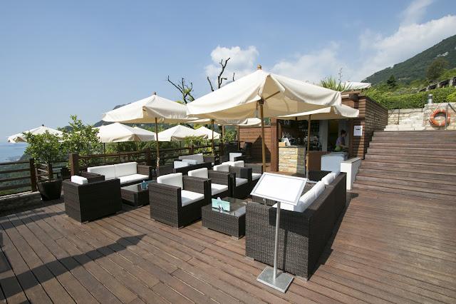 Bar-Infinity pool-Lefay Resort & SPA