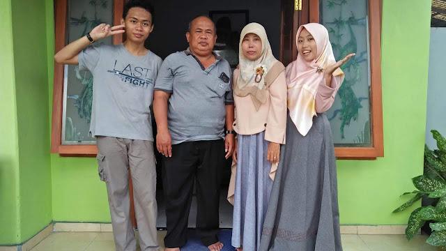 foto-keluarga-4-orang