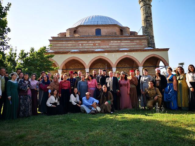 """""""Κόκκινο Ποτάμι"""": Ξεκίνησαν τα γυρίσματα στον καταπράσινο χώρο του Κουρσούμ Τζαμί στα Τρίκαλα"""