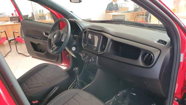Fiat Strada 2021 Volcano - interior - painel