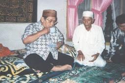 Kisah Gus Dur dan Abah Afandi saat Usir Maling di Pondok