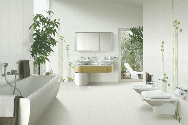 Yang materials of bright surfaces reflecting light, such as stainless steel, marble, granite, glass, ceramic tiles, accelerate the flow of energy, and are welcome in the bathroom.