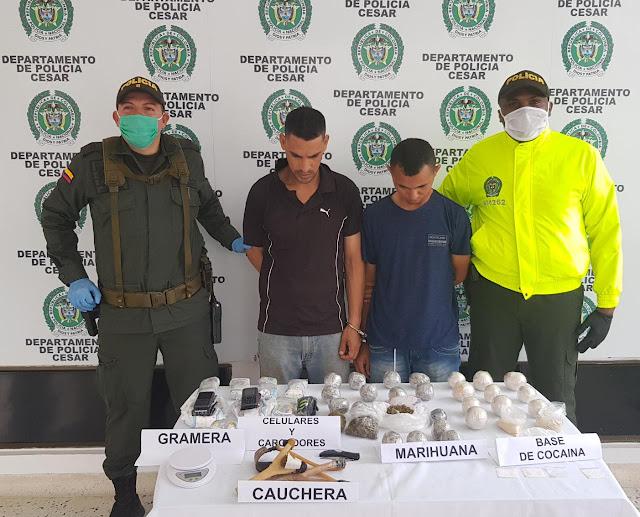 Un colombiano y un venezolano con caucheras lanzaba drogas y celulares a  interior de 'La Tramacua'