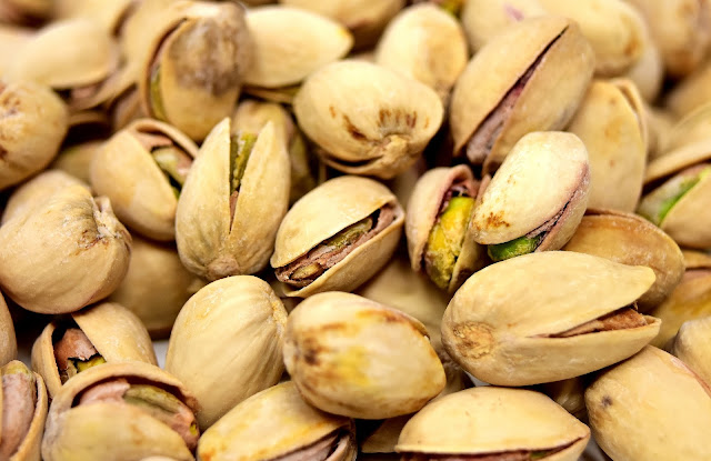 "alt =""eat nuts"""