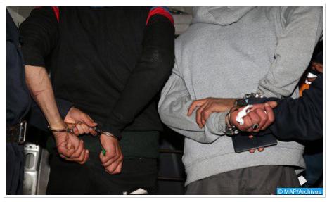 المحمدية.. توقيف شخصين للاشتباه في تورطهما في ارتكاب سرقة تحت التهديد بالسلاح الأبيض من داخل وكالة لتحويل الأموال