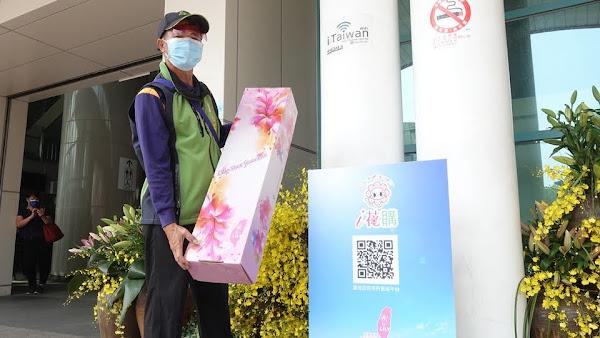員林火車站百合花卉產業形象展示 為花農行銷推廣花卉
